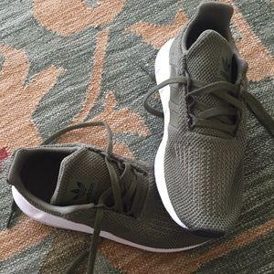 SOLD on ♏️erc BOGO girls sneakers